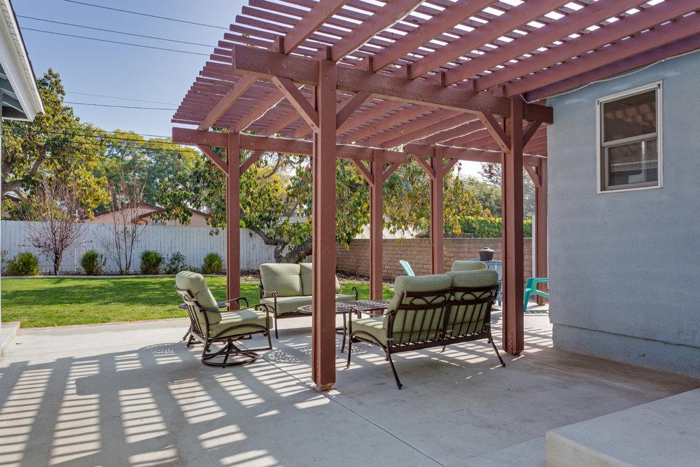 backyard-patio_16767234142_o.jpg