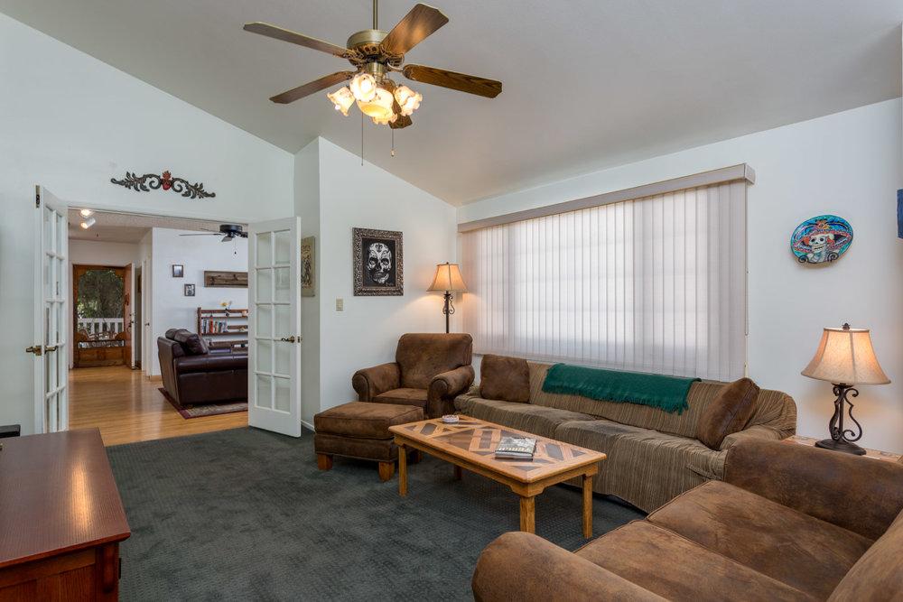 family-room2_16582159239_o.jpg
