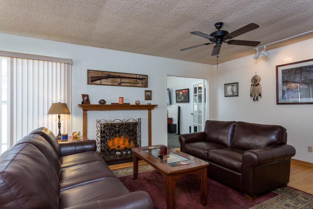 living-room_16742421516_o.jpg