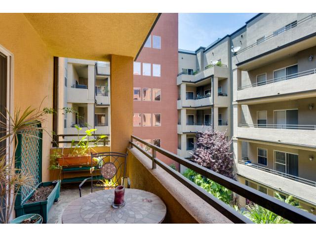 balcony_14720087156_o.jpg