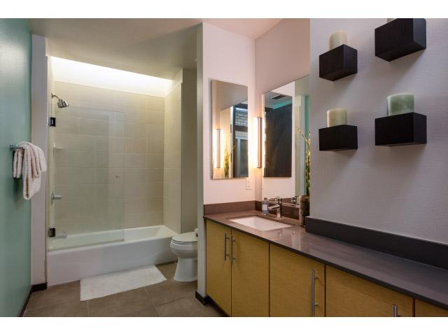 bathroom_14514744895_o.jpg