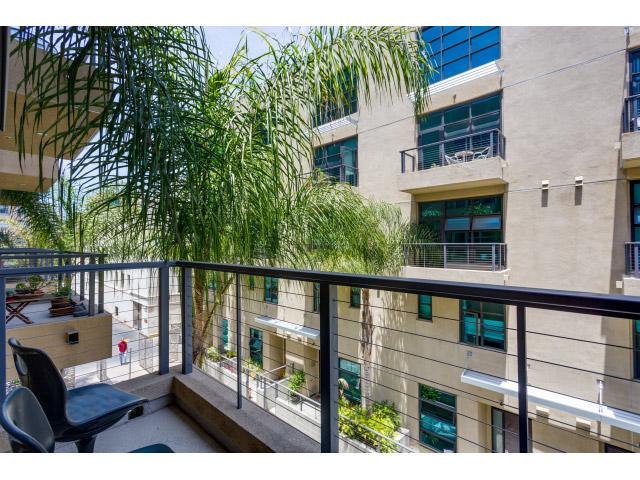 balcony_14328149389_o.jpg