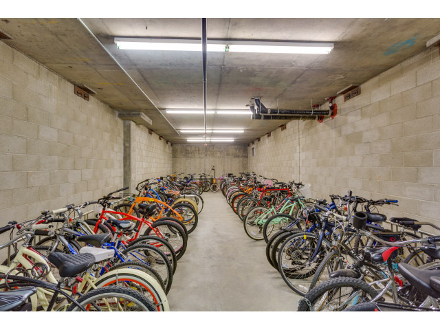 bike-storage_14511362001_o.jpg