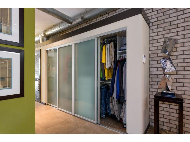 hall-closet_14328168058_o.jpg