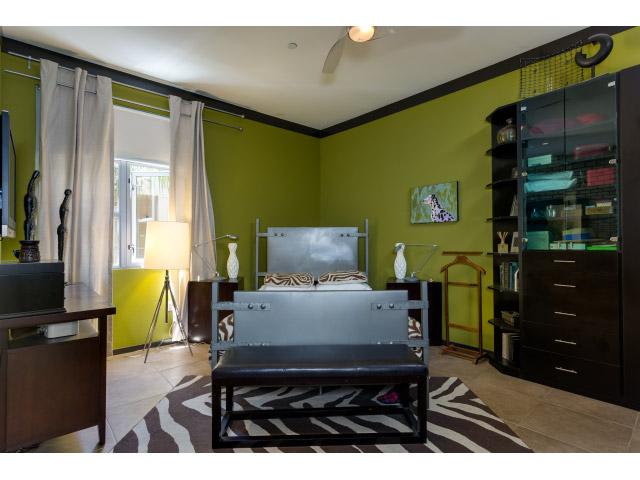 master-bedroom_14328149009_o.jpg