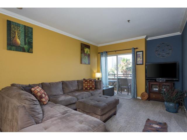 living-room_14328364767_o.jpg