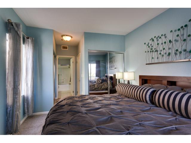 master-bedroom2_14511424411_o.jpg
