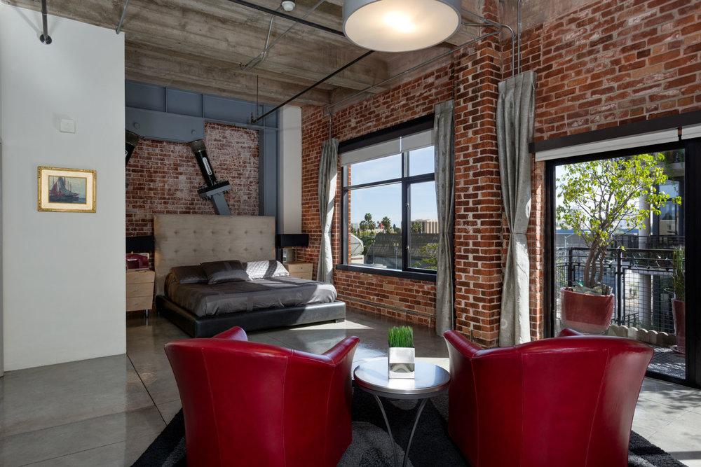master-bedroom_12844196095_o.jpg