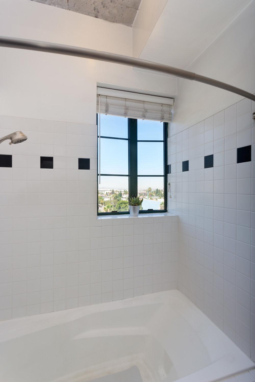 bathroom_9712729852_o.jpg