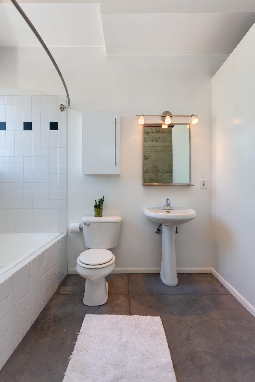 bathroom_9712730024_o.jpg