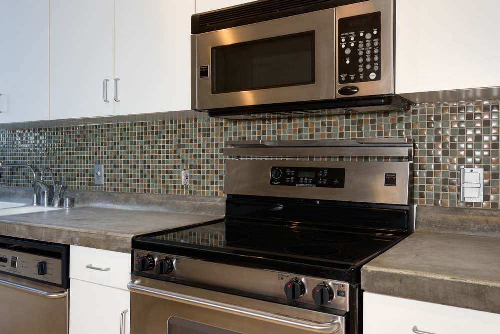 stainless-steel-appliances_9712731852_o.jpg
