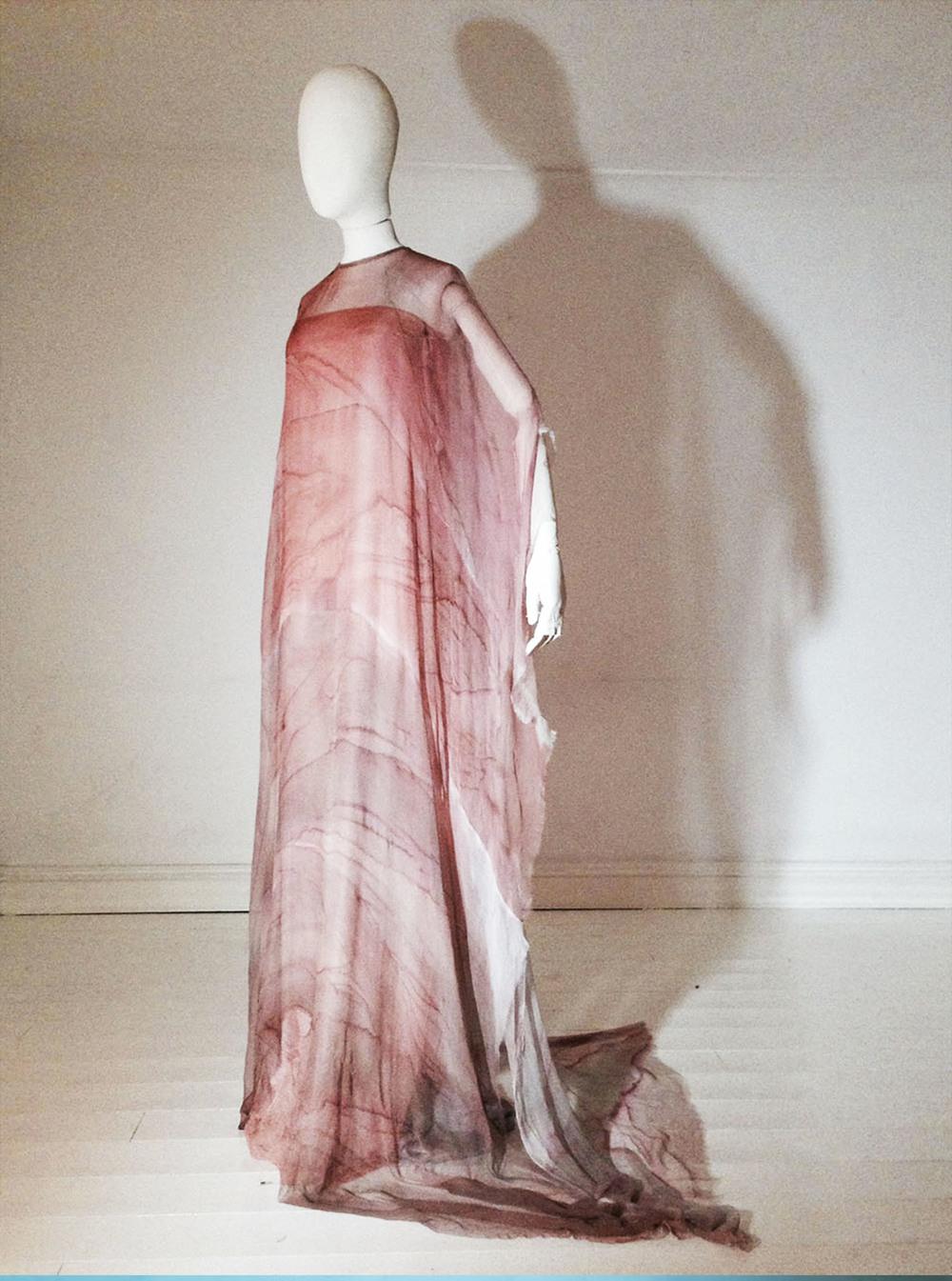 Guzzling Foam dress