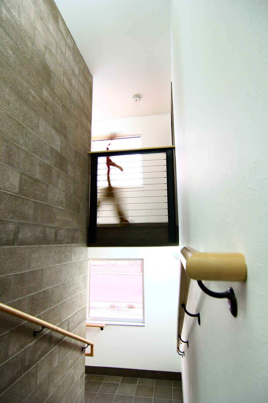 PIC 0519 Interior - Stairwell.JPG