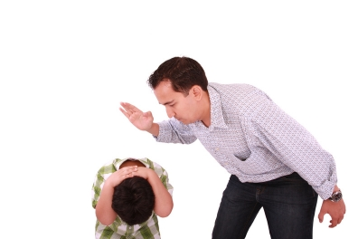 cutcaster-901333971-Dad-scolding-his-son-father-with-son-isolated-on-white-small.jpg