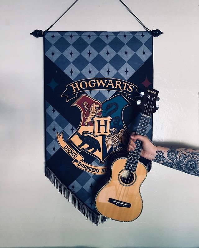 Who think we should start writing our own music to use in wedding films?? 🎶🎶 Keep an ear out...it might be a thing. 😁🙌🏻 ALSO: what's your Hogwarts house? 🧙🏻♂️✨🧙🏼♀️