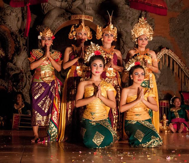 Sanggar Seni Nritta Dewi dancers