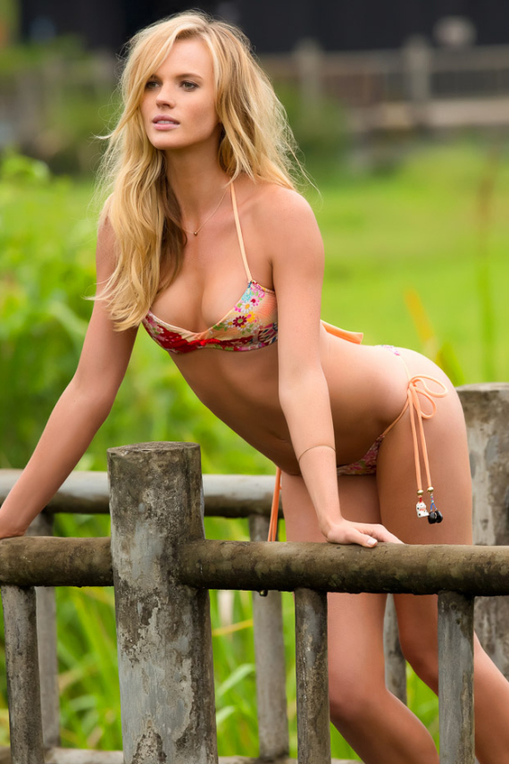 2013-sports-illustrated-swimsuit-edition-8.jpg