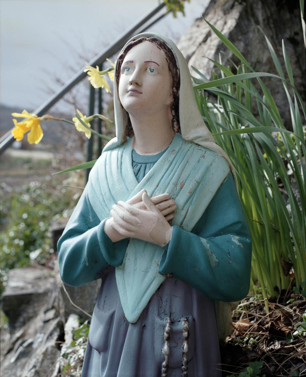Mary statue 1.jpg