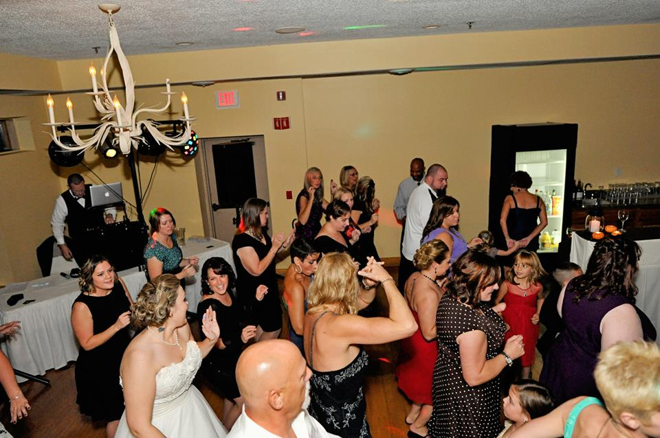 Packed Dance Floor.jpg