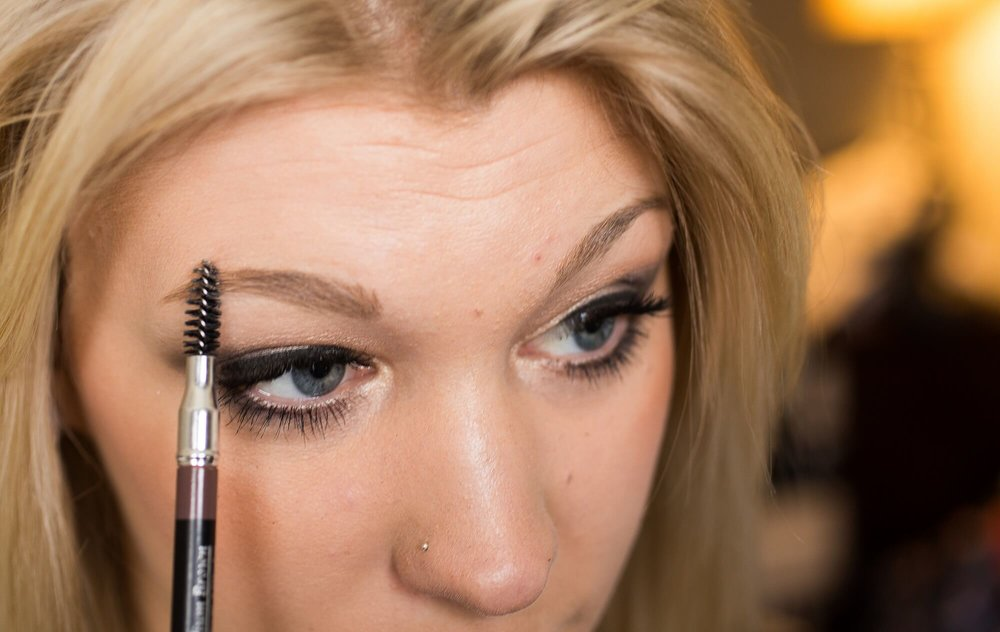 How to fill and line your brows - Read More...