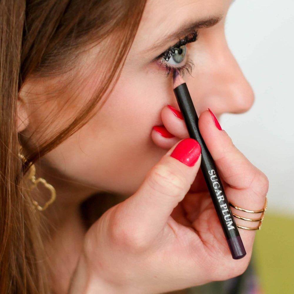 Moody Sisters Natural Pencil Eyeliner