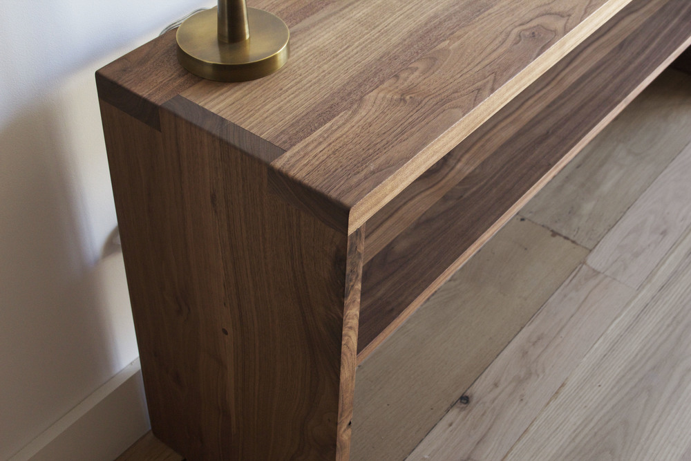 Richardson_Console_walnut_Closeup.jpg