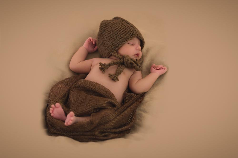 20140829 newborn Uriel 1500 0007.jpg