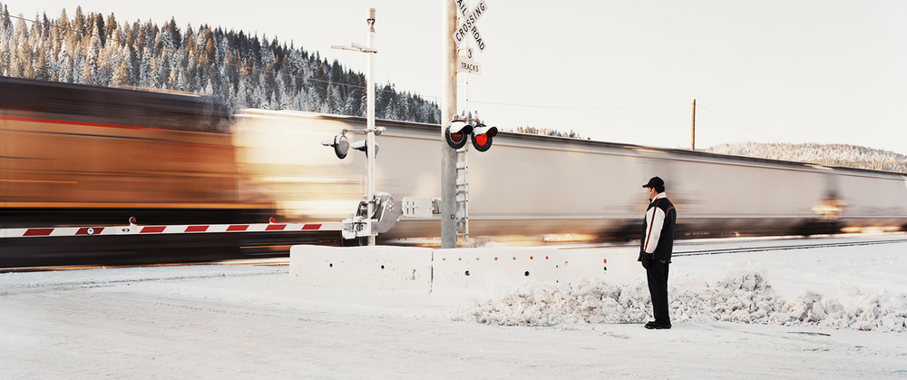 TRAIN-CROSSING-CORRECT.jpg