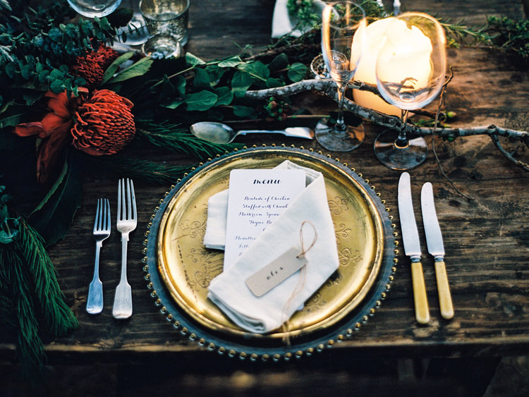 africa-zimbabwe-bride-candle-destination-Details-fine-art-wedding-photographer-gold-groom-rustic-safari-table-setting-tablescape-vintage.jpg