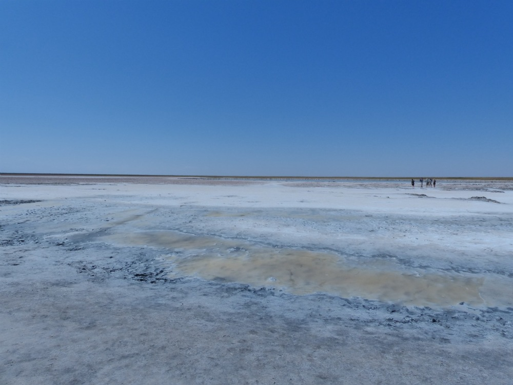 Approaching the salt lakes...(click photo to see more)