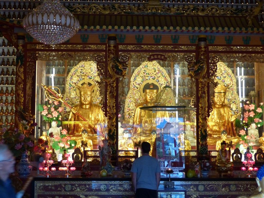 Temple of 10,000 buddhas.jpg