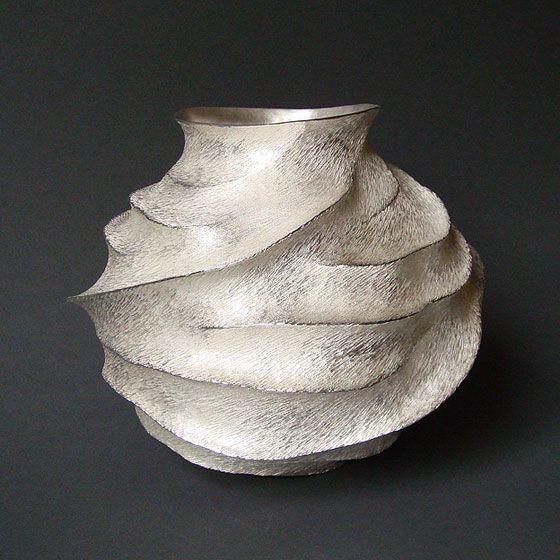 Silver_vase.jpg