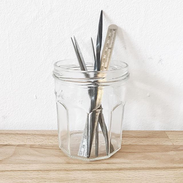 I love Bonne Maman jars! I feel like I gobble down the jam just so I can have another jar. Am I the only one who does that?!? I use them for cotton puds, I use them as coffee canisters and of course I use them in the studio. . . . #yashabutler #minimal #bonnemaman #benchlandscapes