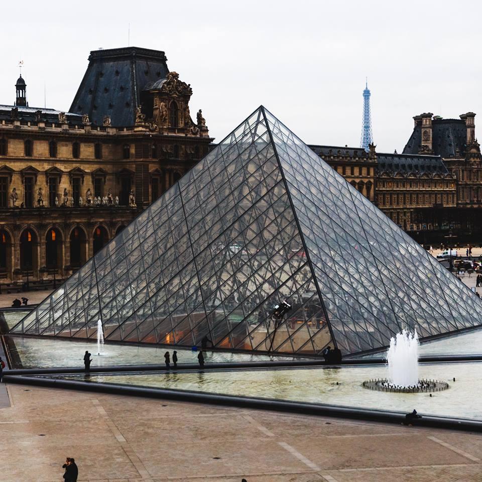 From insid Musée d'Louvre