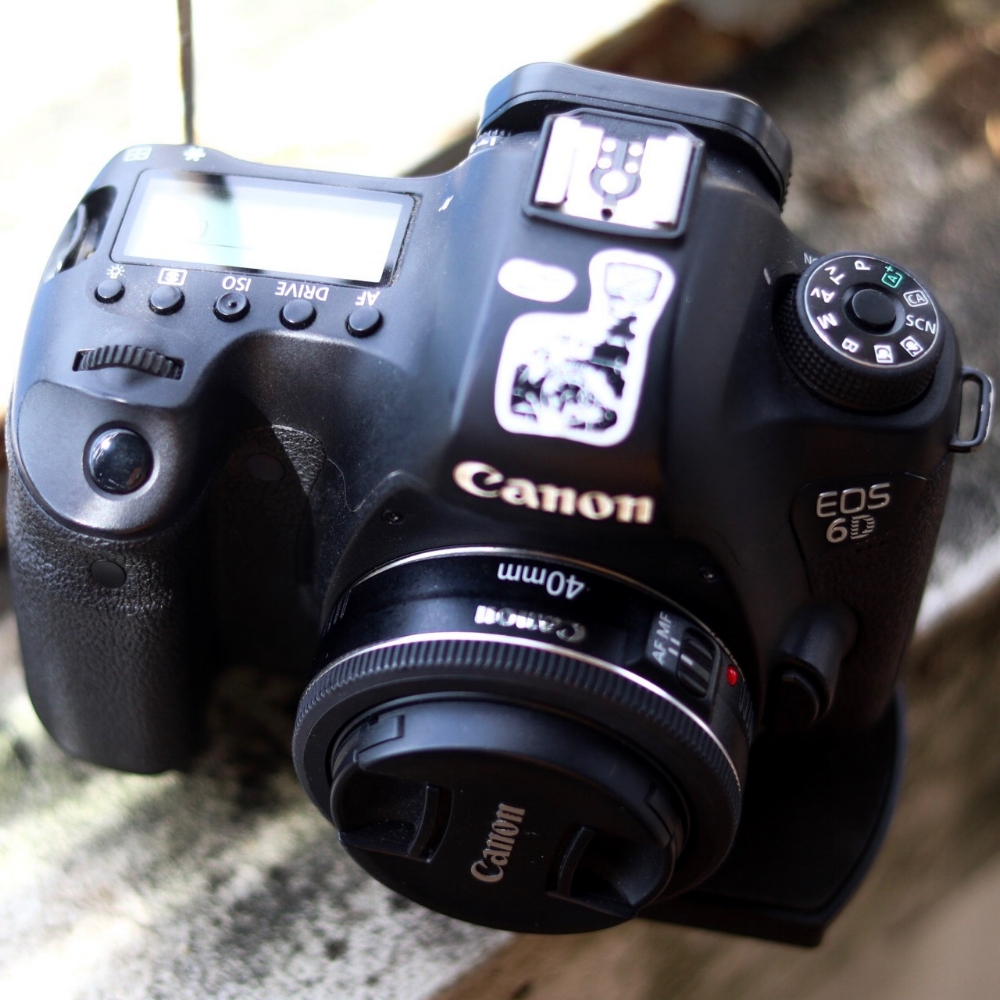 Canon eos 6d with lens EF 40mm