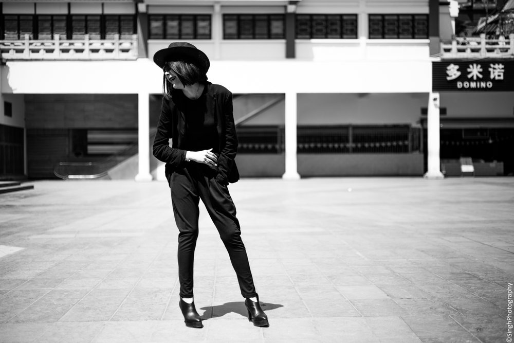 Street fashion portrait in China with Canon EOS 6D and EF 50mm STM