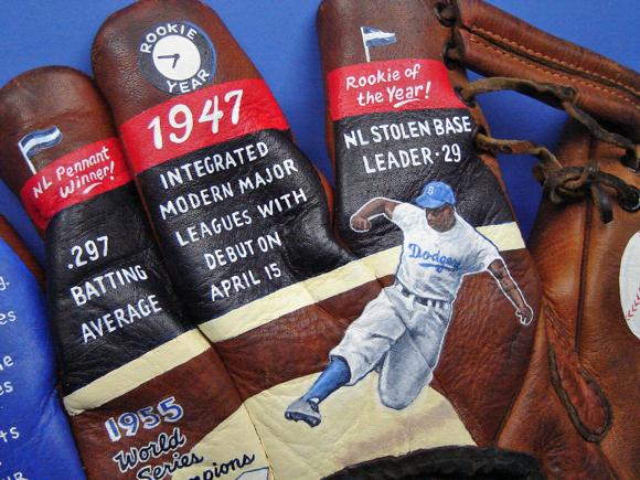 Jackie-Robinson-Painted-Baseball-Glove08.jpg