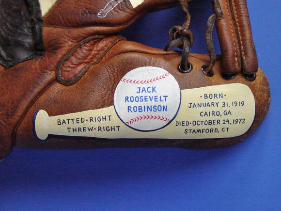 Jackie-Robinson-Painted-Baseball-Glove09.jpg