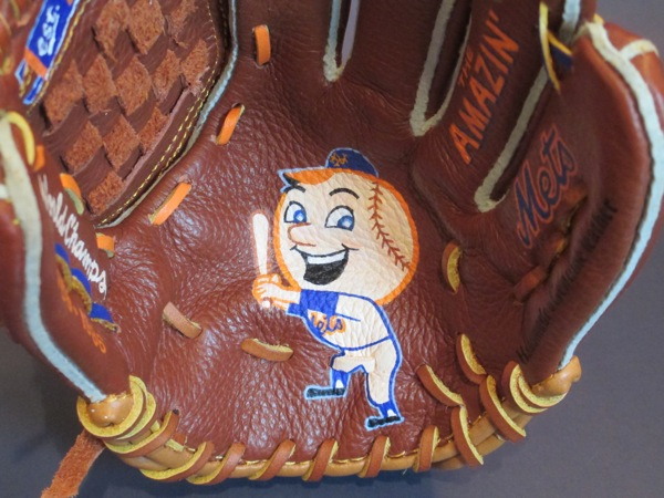 Sean-Kane-Mr-Met-glove-art-1.jpg
