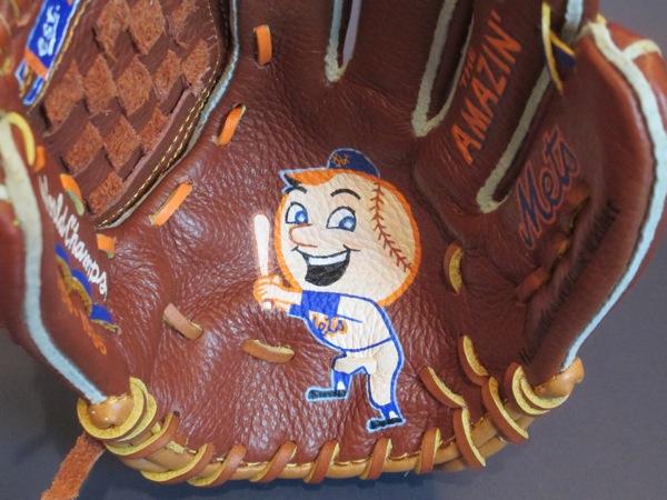 Sean-Kane-Mr-Met-glove-art-1.jpg