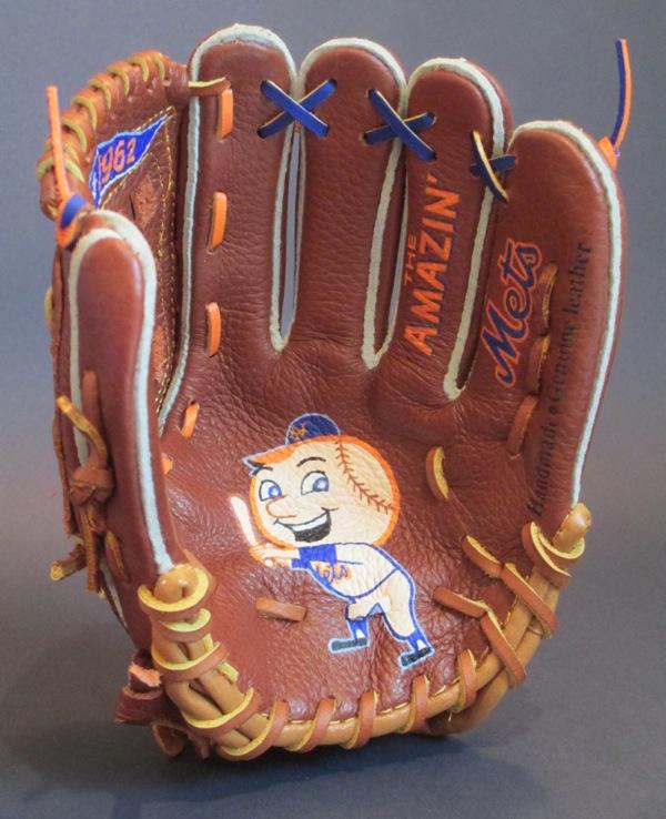 Sean-Kane-Mr-Met-glove-art-5.jpg