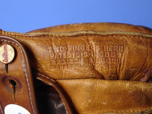Sean-Kane-Ernie-Banks-glove-art-06.jpg