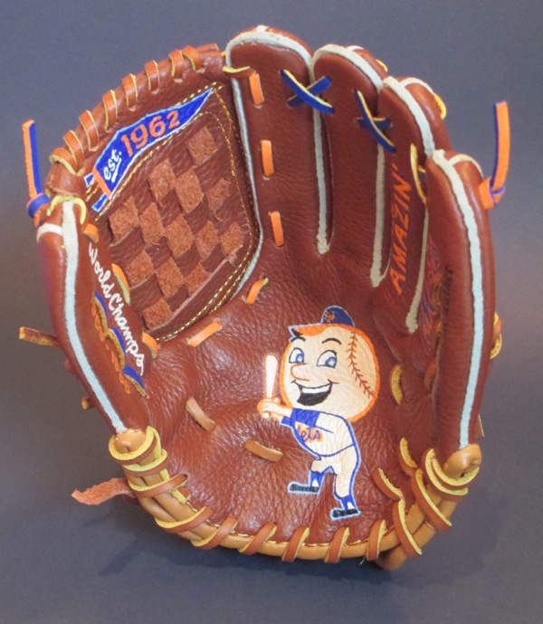 Mr. Met Mini-Baseball Glove Art [SOLD] Info >