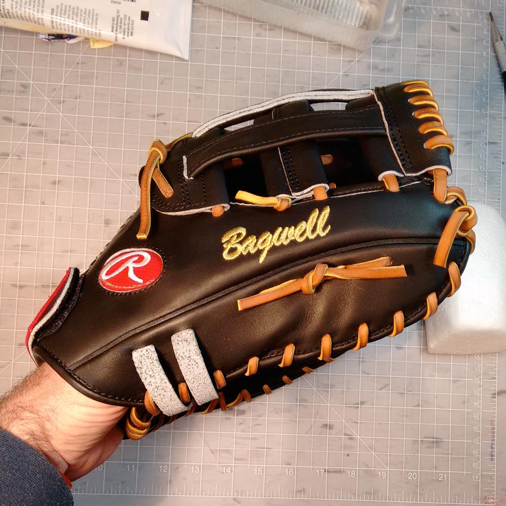 Sean-Kane-Jeff-Bagwell-Rawlings-Baseball-Glove-Mitt-1000x.jpg
