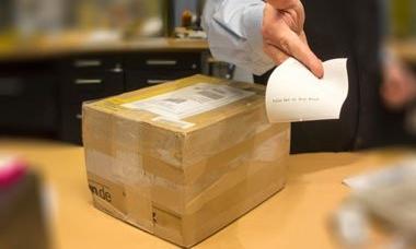 package-service-31277998.jpg.pagespeed.ce.Z65WBp6u78.jpg