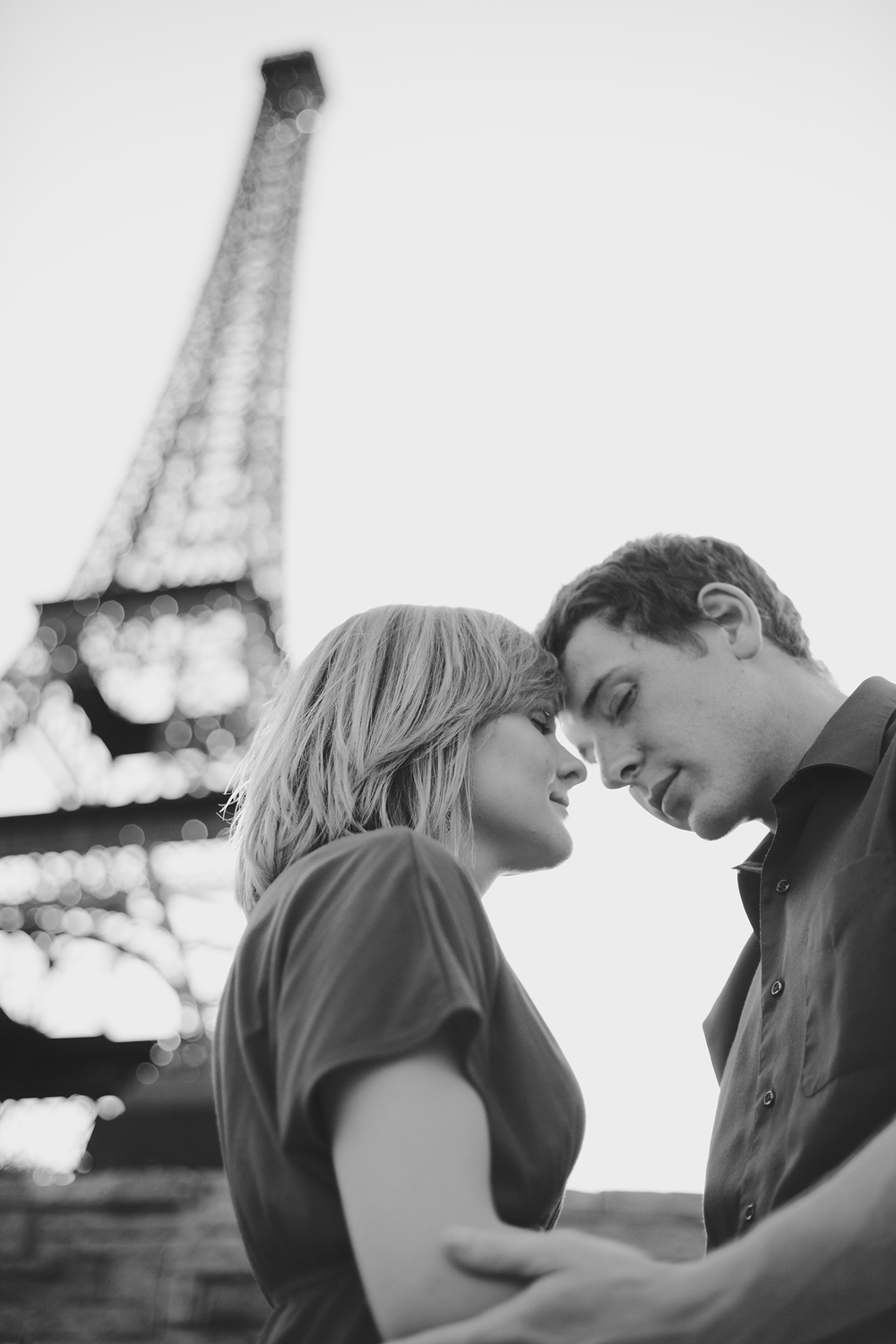 Black & White Couples Photography under the Eiffel Tower