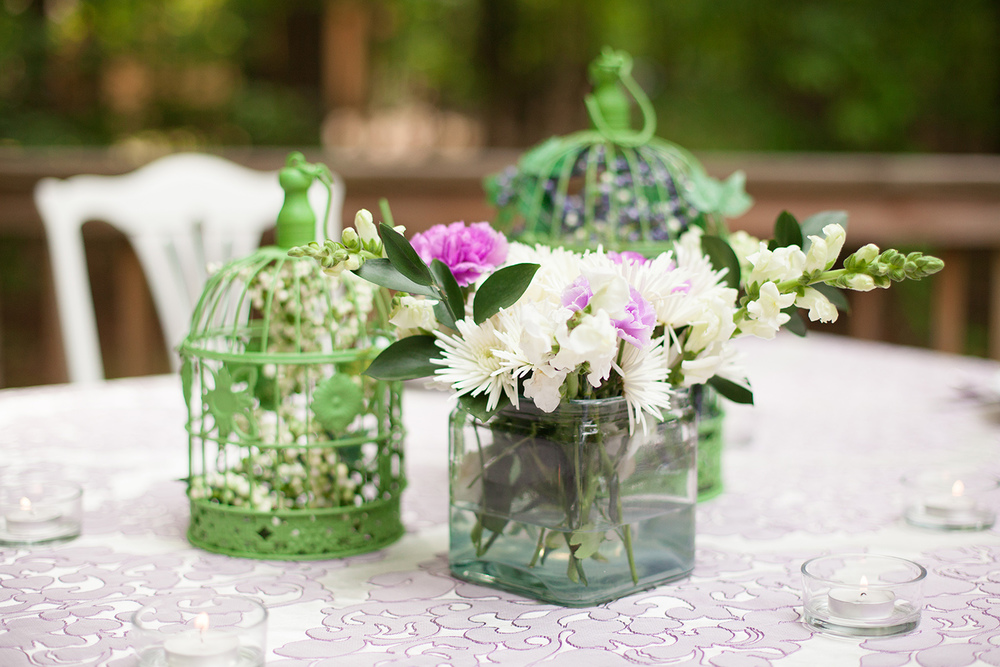 Simple Purple Centerpieces for a Mother's Day Brunch