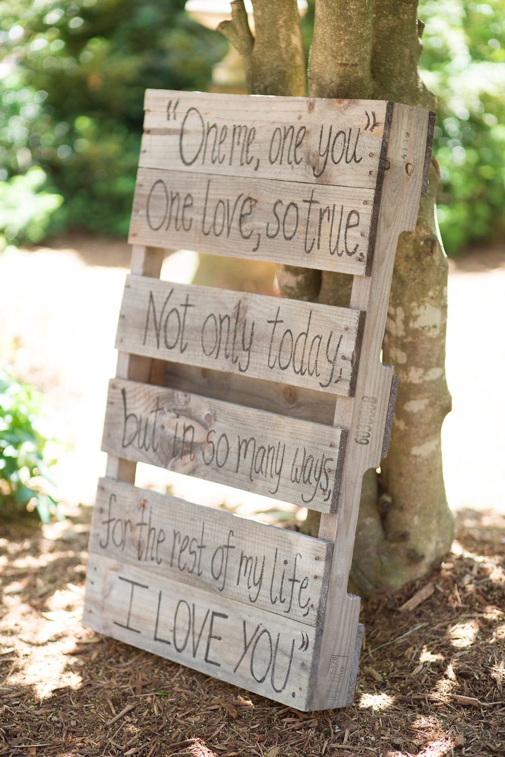 Chapel Hll Carriage House I Love You Sign