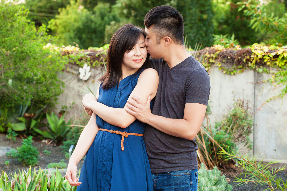 Cute Arboretum Engagement Session
