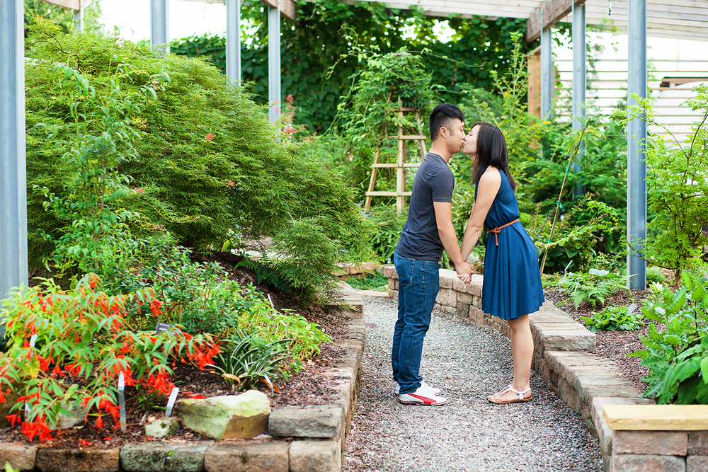Charming Raleigh NC Engagement Session